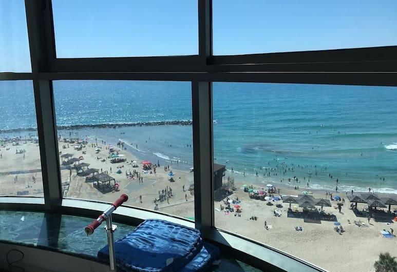 Luxurious Beach Apartment, Haifa, Luxury Apartment, 2 Bedrooms, Accessible, Beach View, Room