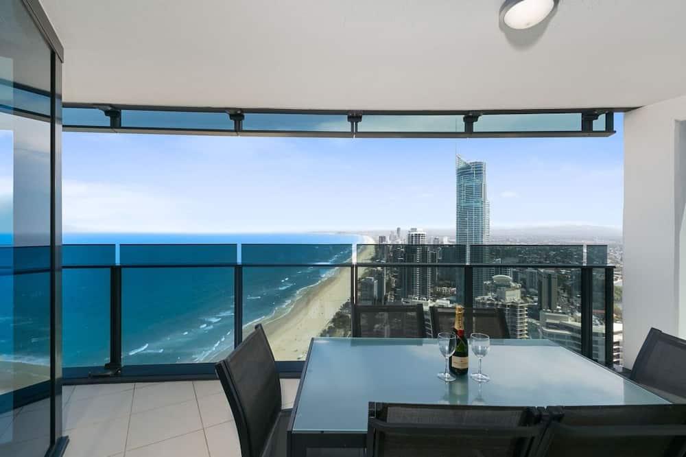 Panorámás apartman, 3 hálószobával, mozgássérültek számára is hozzáférhető, kilátással az óceánra - Erkély