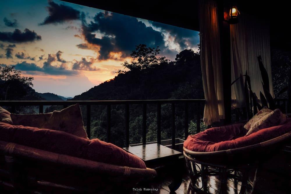 Fachada do Hotel - Tarde/Noite