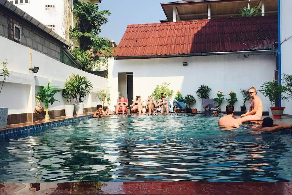 Vang Vieng Central Park Hotel