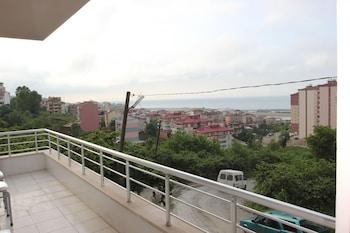ภาพ Zumrut Apart Hotel ใน แทรบซอน