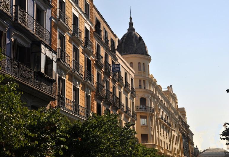 Hostal Patria, Madrid, Parte delantera del hotel