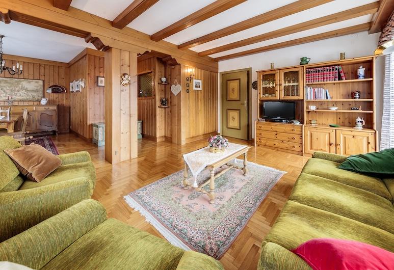露奇歐拉別墅飯店, 柯提納安培佐, 公寓, 4 間臥室, 客廳