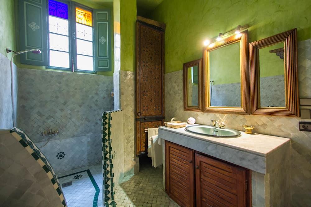 套房 (Sfar) - 浴室