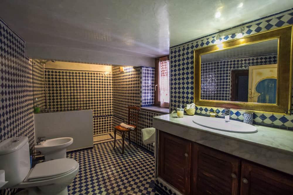 双床房 (Zarka) - 浴室