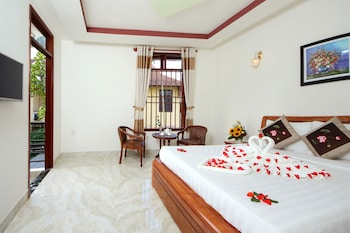 Enter your dates for special Hoi An last minute prices