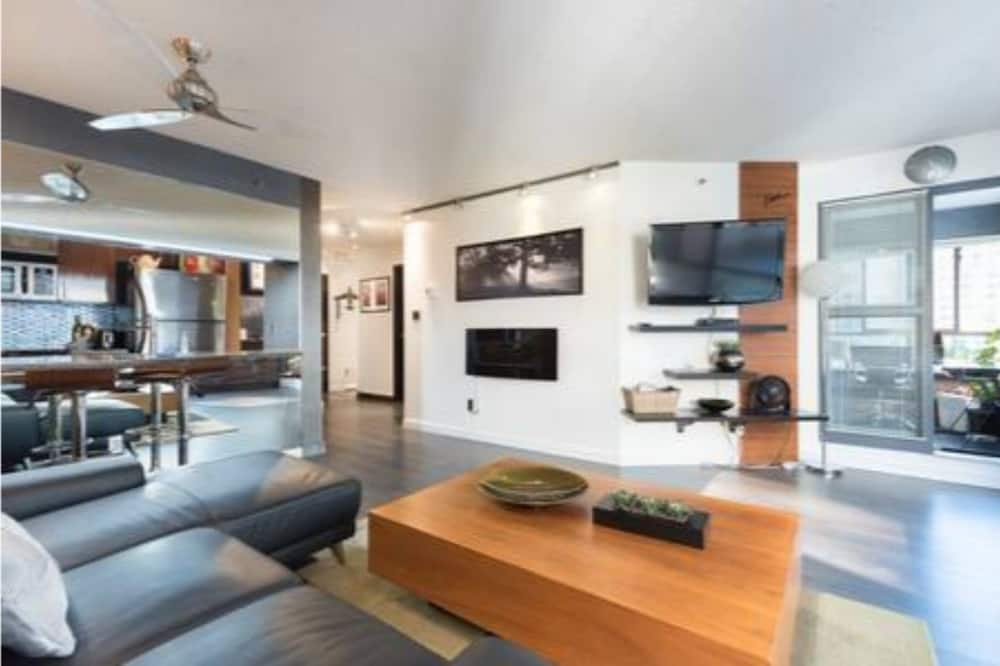 شقة - غرفة نوم واحدة - منظر للمدينة - الغرفة
