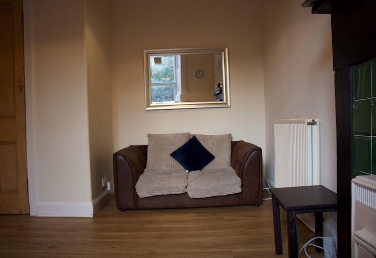 3 Bedroom City Centre Apartment, Edinburgh