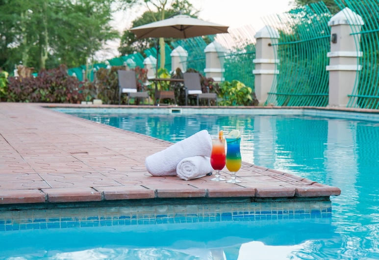 CityBlue Courtyard Hotel & Suites, Livingstone, Outdoor Pool