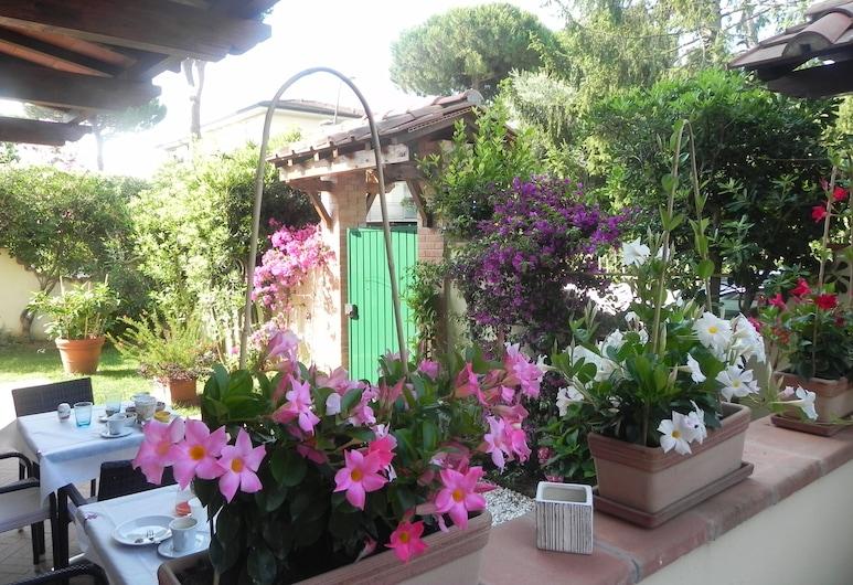 Villa Il Fortino, Camaiore, Garden
