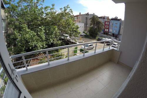 奧藏公寓旅館/