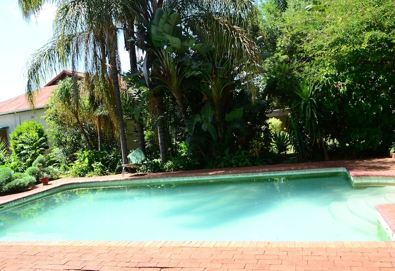 Breeze Guest House, Bulawayo, Garten