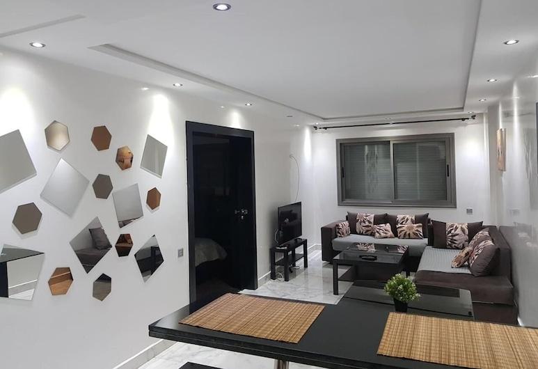 Franklin, Casablanca, Living Room