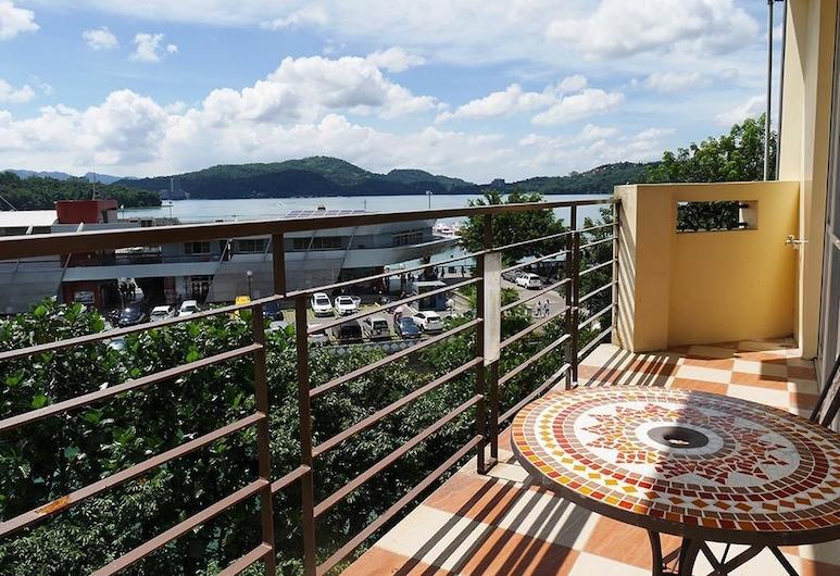 Cherng Yuan Hotel, Yuchi, Štandardná štvorposteľová izba, výhľad na jazero, Balkón
