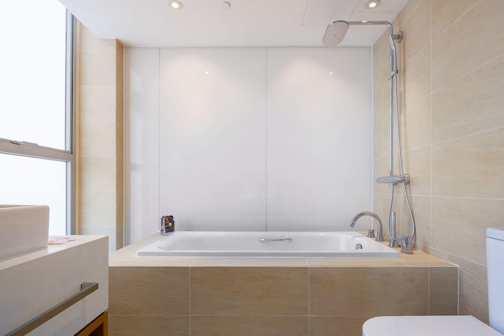 標準套房, 1 張加大雙人床, 城市景(須有女仕登記入住) - 浴室
