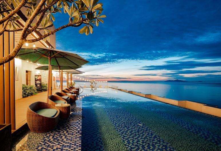 HAIAN Beach Hotel & Spa, Da Nang, Piscina Transbordante