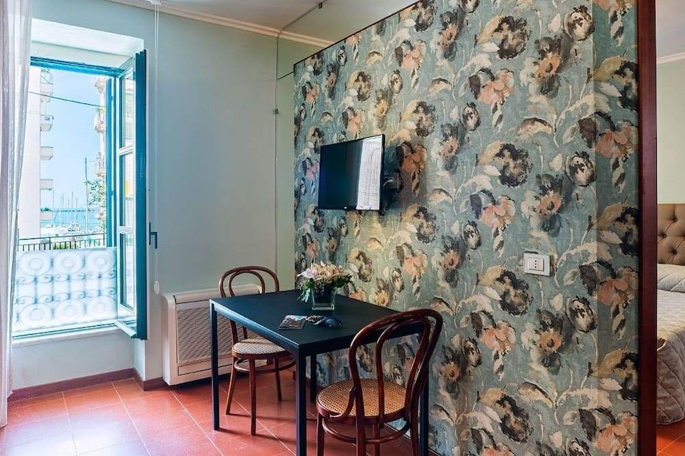 Family Apartment, 1 Bedroom, Kitchenette - Living Area