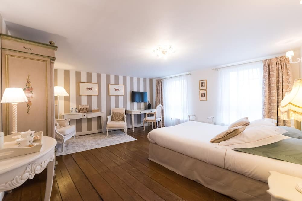 Deluxe Suite, Private Bathroom (La Clef d'OR) - Guest Room