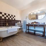 Deluxe Suite, Private Bathroom (La Clef d'OR) - Bathroom