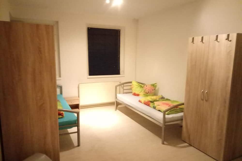 Zimmer, Gemeinschaftsbad (Quintuple Room) - Zimmer