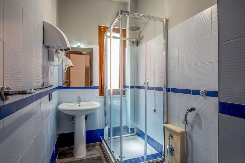 Phòng tập thể - Phòng tắm