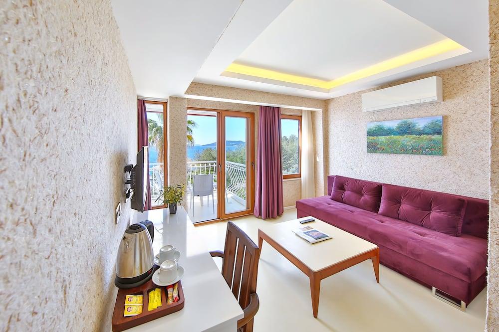 Family Room, Balcony, Sea View - Bilik Rehat
