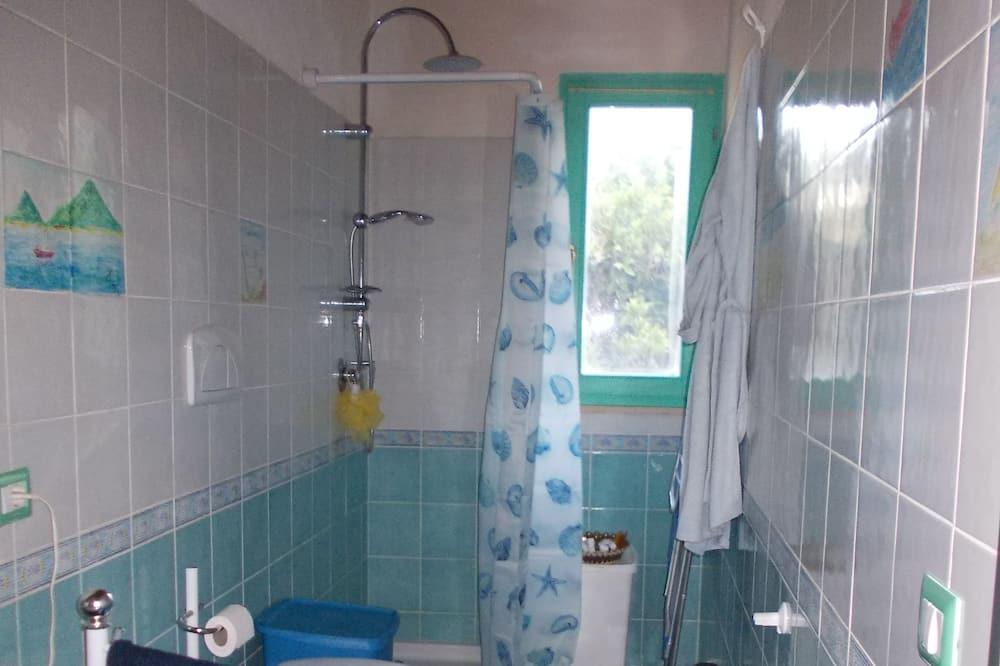 Tek Büyük veya İki Ayrı Yataklı Oda, 1 Yatak Odası, Ortak Banyo - Banyo