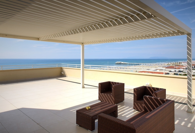 Hotel Capri & Residence, Camaiore, Terasa pro slunění