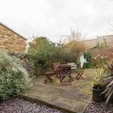 Apartment (2 Bedrooms) - Garden View