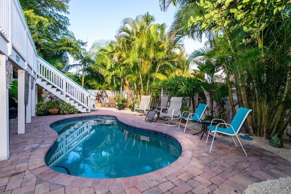 Ev, 3 Yatak Odası, Kişiye Özel Havuzlu - Açık Yüzme Havuzu