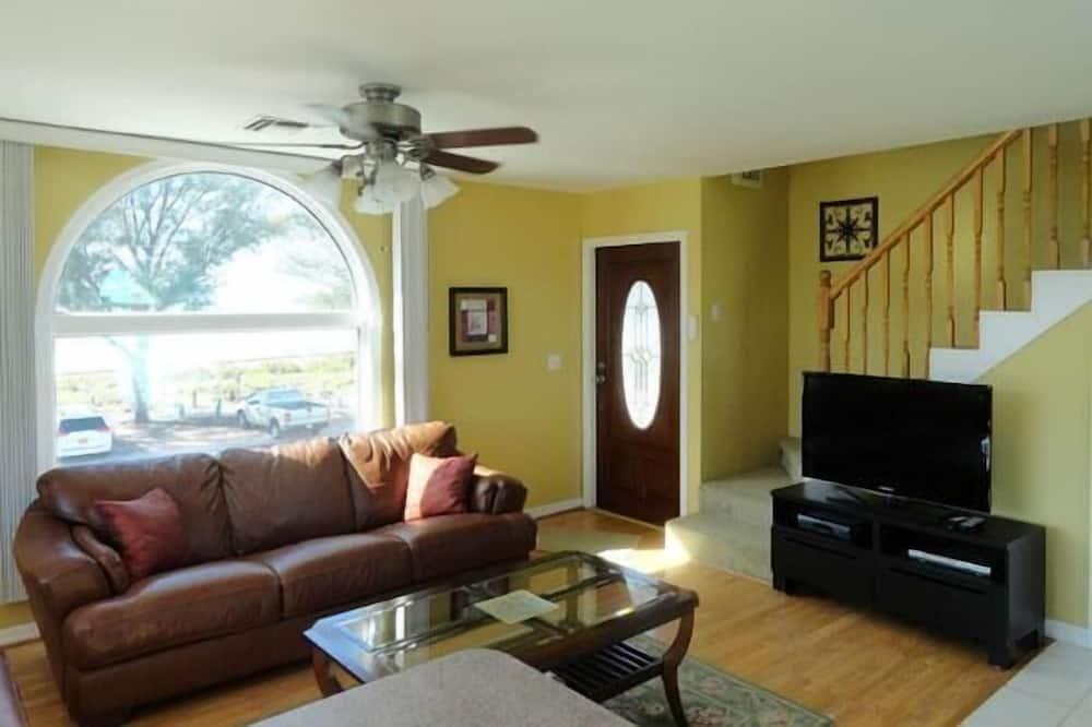 Dvoupodlažní apartmá, 2 ložnice, kuchyně, u pláže - Obývací prostor