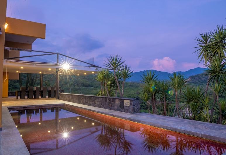 Casa Ave del Risco (Villa con río y cascada al interior), Colima, Bazén