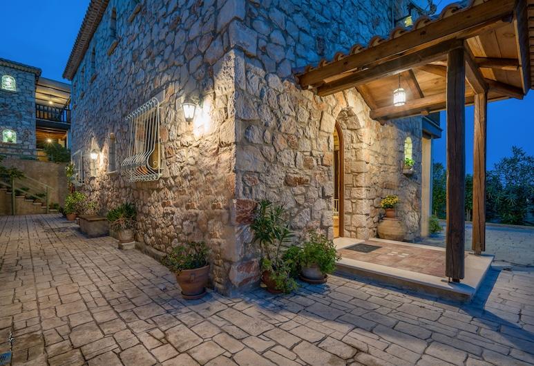 Μυρτιές Πέτρινες Κατοικίες, Ζάκυνθος, Είσοδος ξενοδοχείου