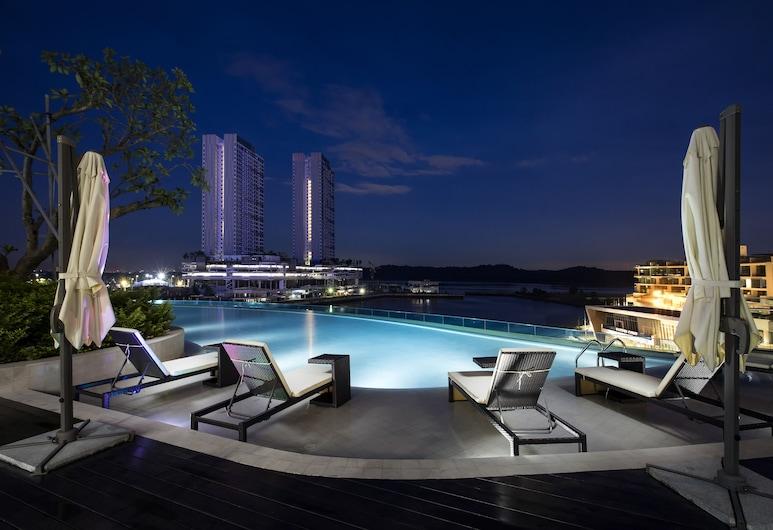 Pinetree Marina Resort, Iskandar Puteri
