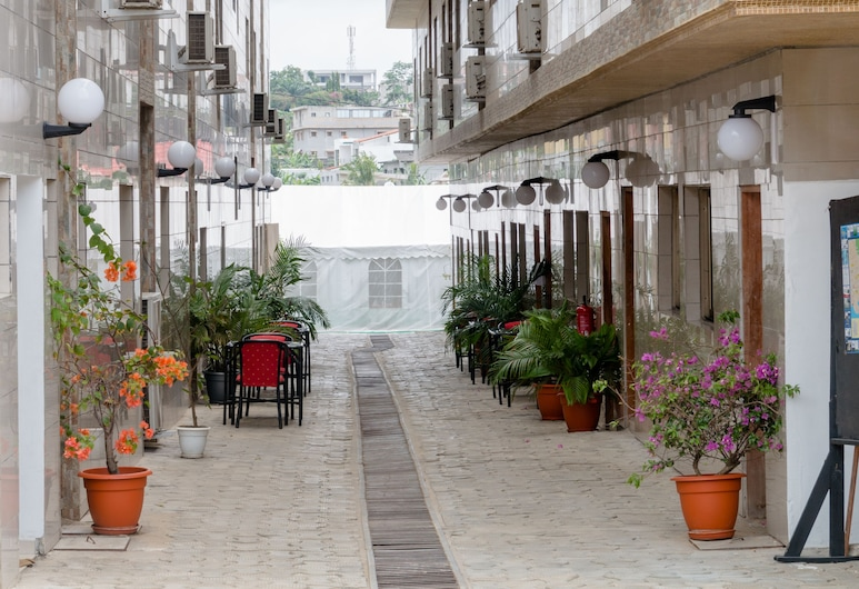 Hotel Djigui, Abidjan, Property Grounds