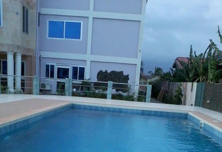 Permiss Ka Hotel, Accra, Lauko baseinas