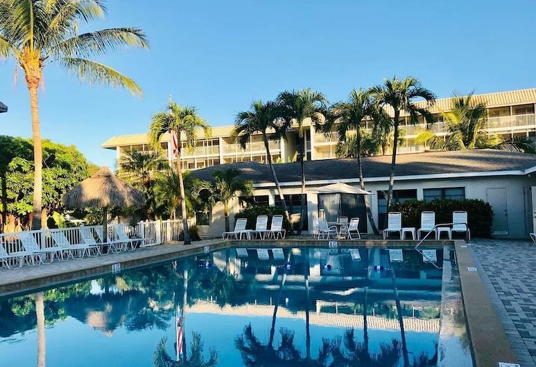 Sanibel Siesta On The Beach Unit 504 2 Bedroom Condo, Sanibel, Condo, 2 Bedrooms, Outdoor Pool