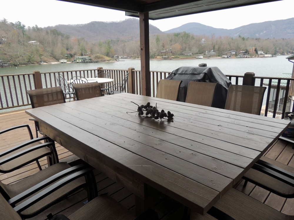 Allure Of The Lake 3 Bedrooms 2 Bathrooms Home, Lake Lure, Balcony