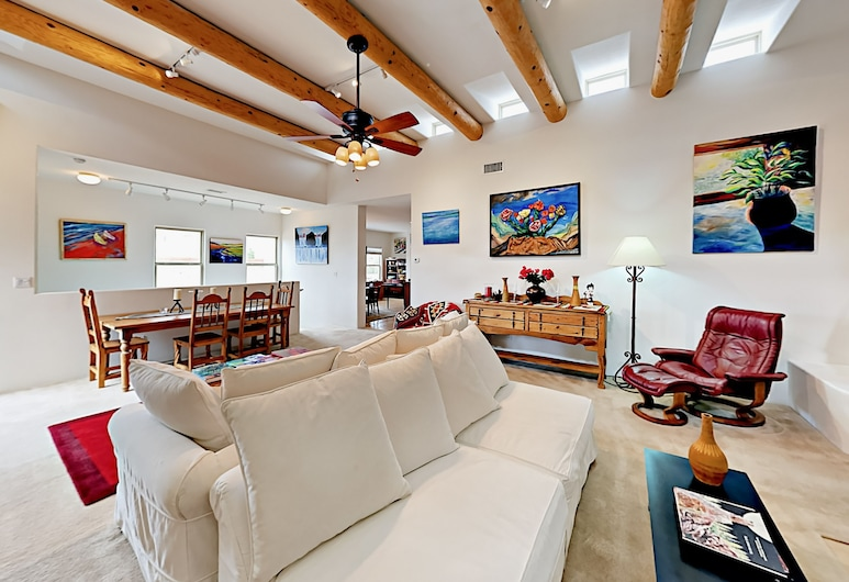 Stunning 3br Artists 3 Bedroom Home, Santa Fe