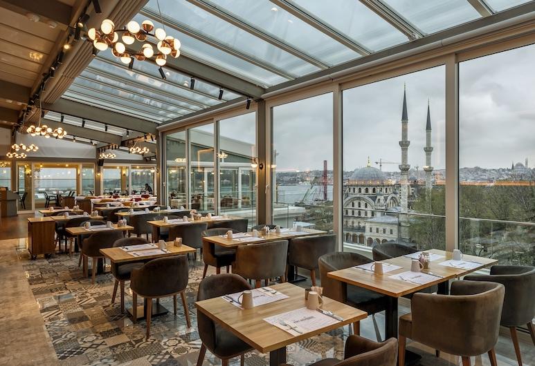 Port Bosphorus Hotel, Istanbul, Terrasse/Patio