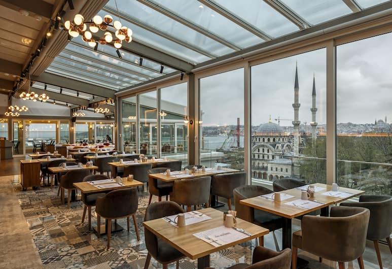Port Bosphorus Hotel, Istanbul, Terrasse/veranda