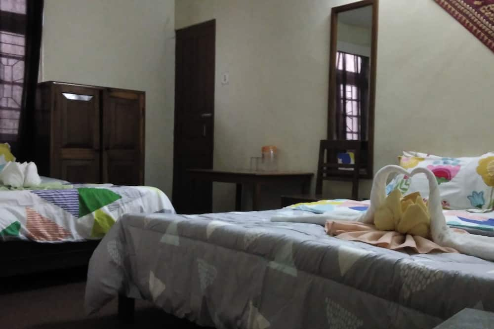 Standard Triple Room, 3 Twin Beds - Guest Room View