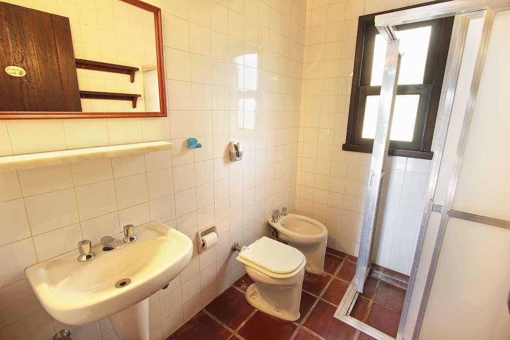 ハウス 5 ベッドルーム - バスルーム