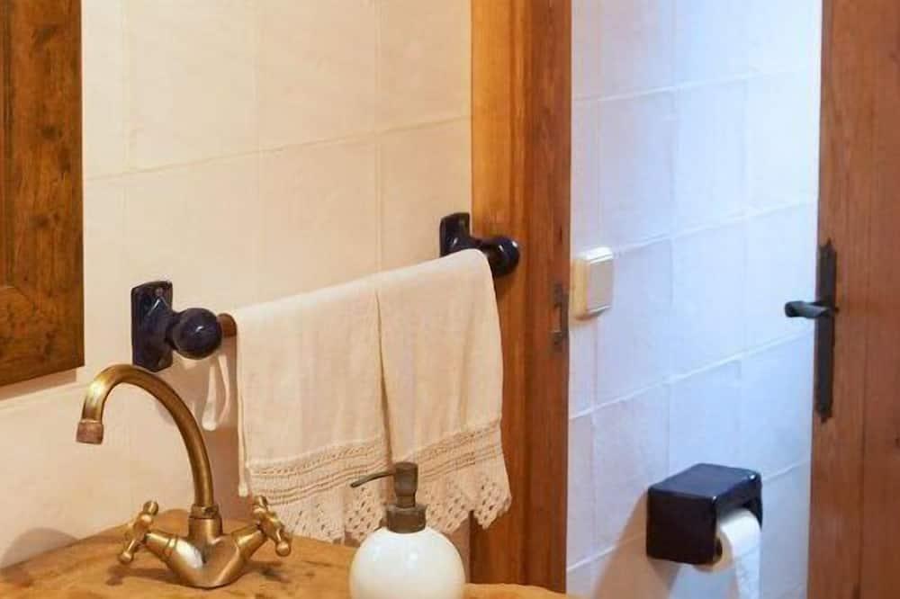 Superior Double Room - Bathroom