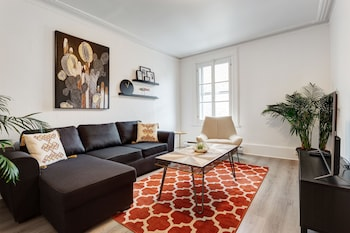Atwater Market Apartments by Hometrotting