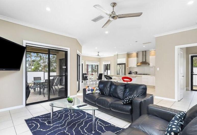 Central Gold Coast Large, Modern, Elevated Home, Molendinar, Maison, 4 chambres, Coin séjour