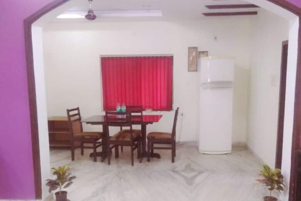 Comfort Apartment, 3 Bedrooms, Accessible, Kitchen - Room