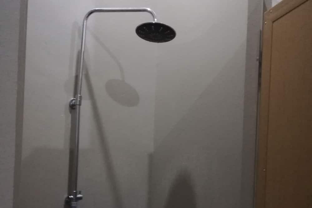 Standartinio tipo dvivietis kambarys (2 viengulės lovos) - Vonios kambarys