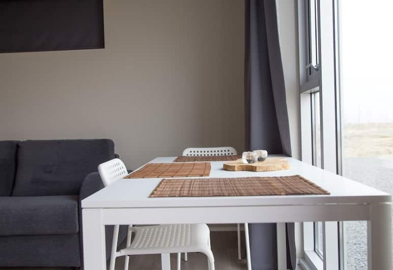 Mýri - Stay for a tree, Selfoss, Studio, 1 Queen Bed with Sofa bed, Mountain View (Bjarg), Room