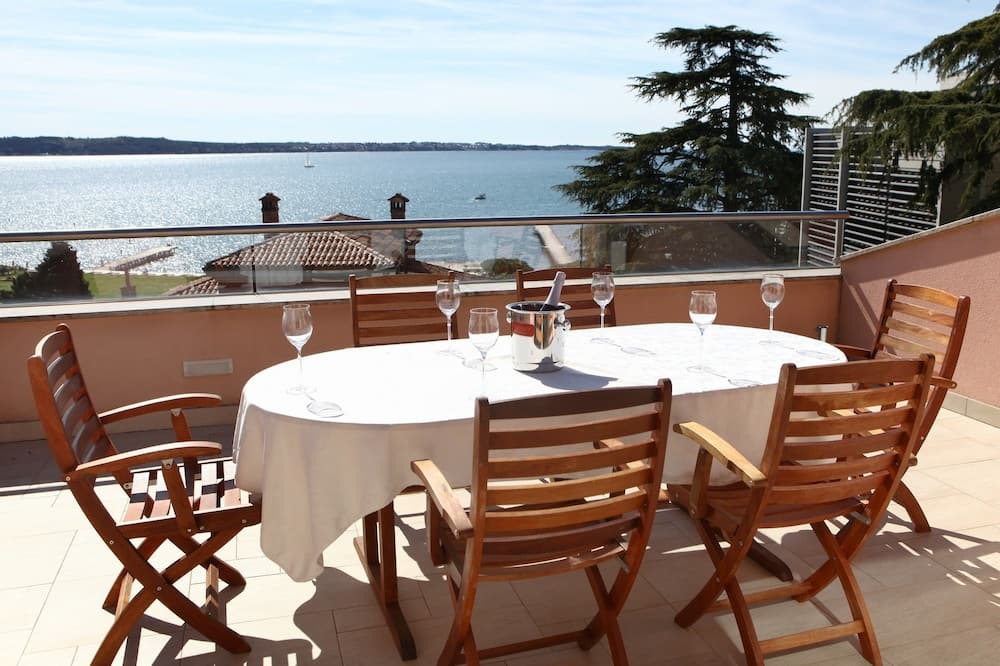 Apartamento, vistas al mar - Terraza o patio